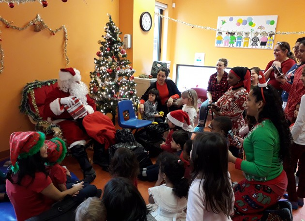 Santa Claus visits children of the mother-child program